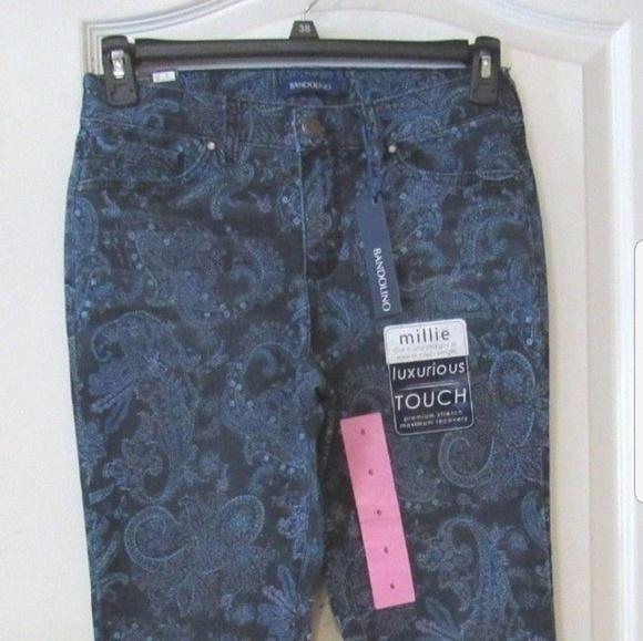 Bandolino Womens Millie Curvy Slim Straight 5 Pocket Jean